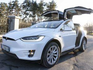 Tesla Model X Intel 100d